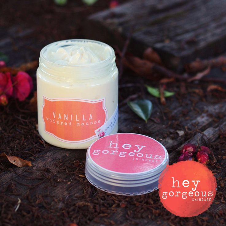 Vanilla whipped mousse / butter It is s excellent for hydrating dry and thirsty skin, protecting it in harsh weather and nourishing with vitamins A, E and fatty acids, which are necessary for retaining moisture and elasticity of skin.