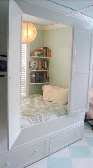 Cool, hideaway, cabin day bed room! Reading spot, secret hideout!