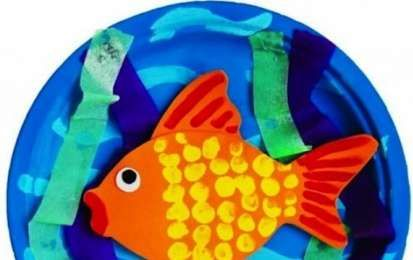 Lavoretti per bambini da fare in estate - Piatto con pesce colorato