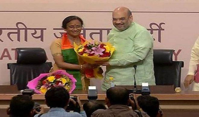 UP चुनाव से पहले कांग्रेस को बड़ा झटका, रीता बहुगुणा BJP में शामिल - India TV
