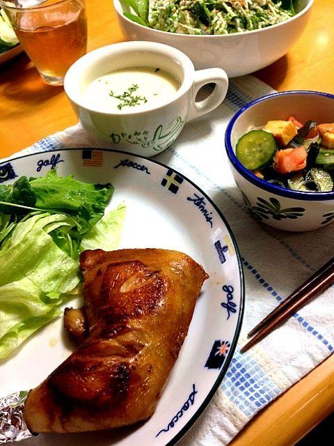 お野菜たっぷりのメニュー 今日は、早めに食事して長風呂と運動で明日からの仕事に備えます - 31件のもぐもぐ - 晩御飯チキンの照り焼き&中華春雨サラダ&カボチャのスープ by kayo0124