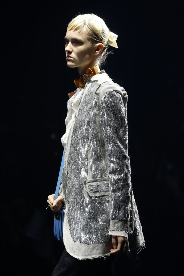Lanvin Spring 2016 Ready-to-Wear Fashion Show Details