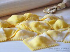 Cómo hacer pasta fresca al huevo - http://www.thermorecetas.com/2014/02/21/como-hacer-pasta-fresca-al-huevo/