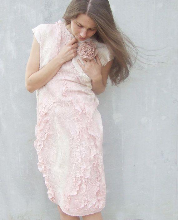 Abito feltrata rosa pastello, crema avorio bianco e rosa pesca corallo lana moda estate Abito da sposa
