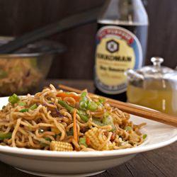 Vegetable Chow Mein/Hakka Noodles made using instant ramen noodles