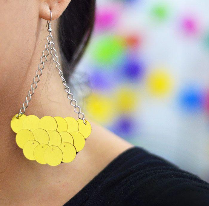 DIY Sequin Earrings - Como fazer um brinco leque de paetês pro Carnaval