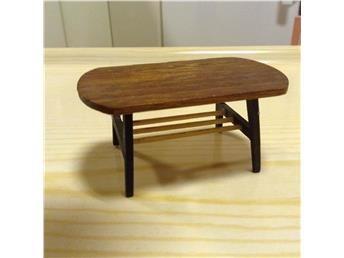 1950 tals Lundby teak soffbord i design stil lågt bord med tidningshylla