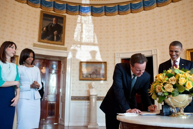 Behind the scenes of the lavish White House welcome for David and Samantha - Photo 14