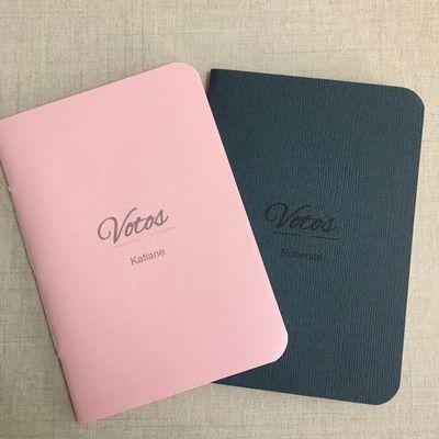 Caderno onde estão os votos de casamento