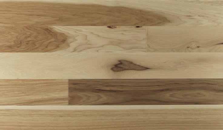 Par son caract�re fort et rustique, le hickory am�ne de la personnalit� � tous vos pi�ces. Le Hickory est un bois textur� � anneaux de croissance visibles. Sa couleur caract�ris�e par un large �ventail de tonalit�s va du beige dor� au brun soutenu. Cette essence renferme �galement des noeuds qui accentuent son caract�re naturel. Ce bois affiche une duret� de 1 820 au test de Janka.