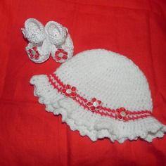 Scarpette + cappellino bimba realizzate ad uncinetto in cotone 100%