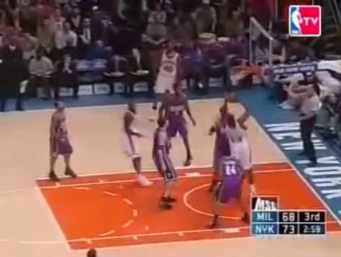 2005 | Stephon Marbury with the spin, no look pass