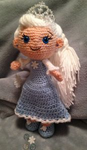Pincess Elsa Doll ( from Disney's Frozen Movie) - Free Amigurumi Pattern here: http://pjcraftsinaustin.com/info/precious-ice-princess/