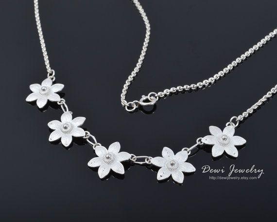 Beautiful Jasmine Necklace - 925 Sterling Silver Filigree - Handmade Jewelry - Fashion Jewelry
