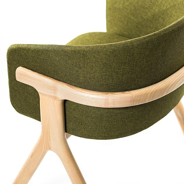 Eora By Monolitheedition Seems To Be Built In Only One Piece Of Ash Tree Wood Nicely Curved Toppe Furniture Design Inspiration Chair Design Interior Furniture