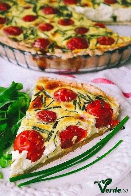 Gust Verde: Tarta cu branza Brie, arpagic si rosii cherry.