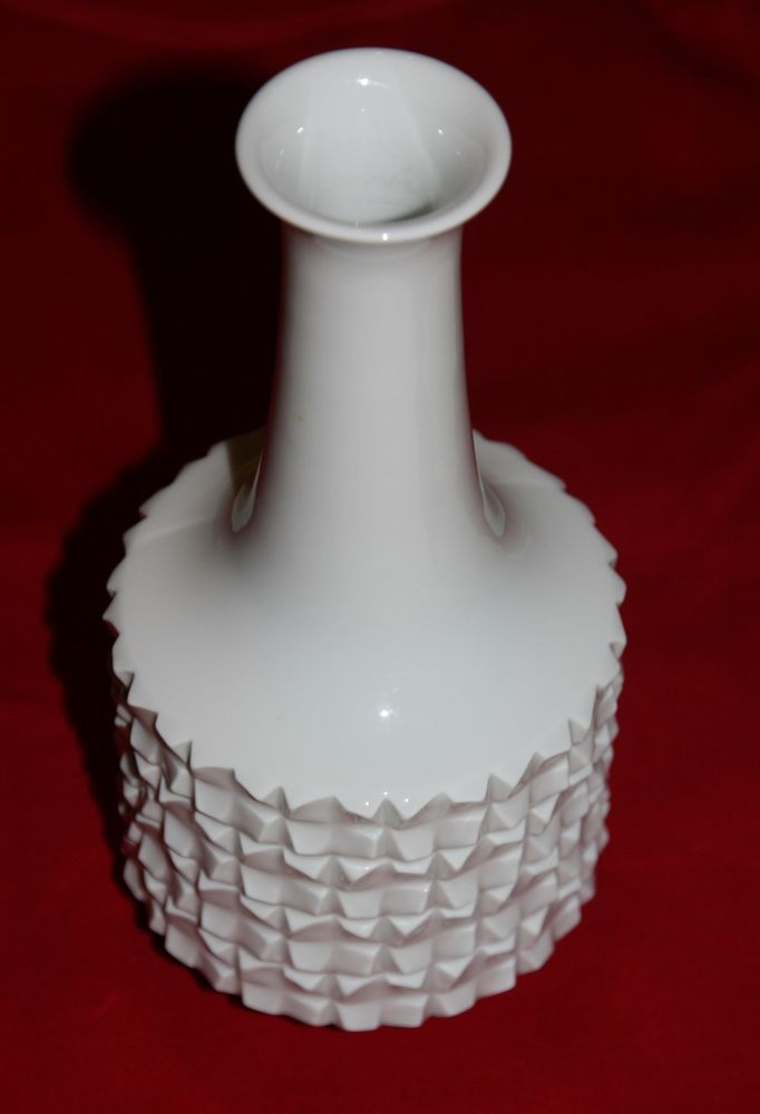 echte Meißner Porzellan Vase , weiß mit Muster