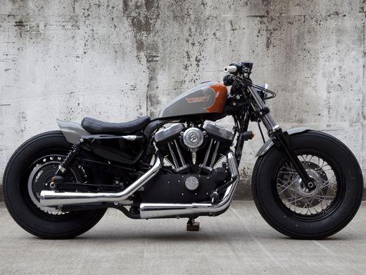 Harley Davidson XL1200X  via caferacerdesign