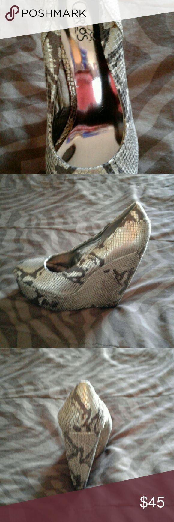 Carlos Santana silver/black  python wedges New Carlos Santana wedges Carlos Santana Shoes Wedges