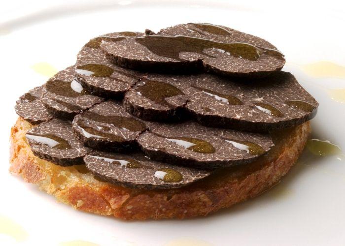 Crostini al tartufo--Umbria