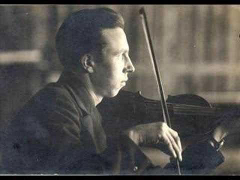 """▶ Stare polskie tango: """"Graj skrzypku, graj !"""" - YouTube"""