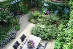 Carolien Barkman - Garden