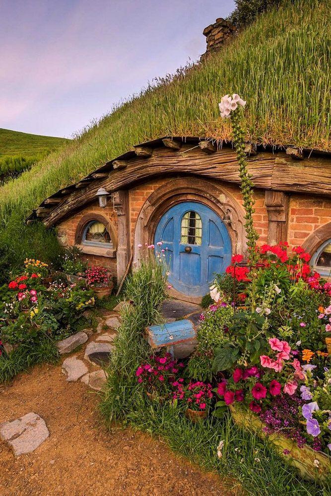 New Zealand Honeymoon: Top Destinations ❤ See more: http://www.weddingforward.com/new-zealand-honeymoon/ #weddings #honeymoon