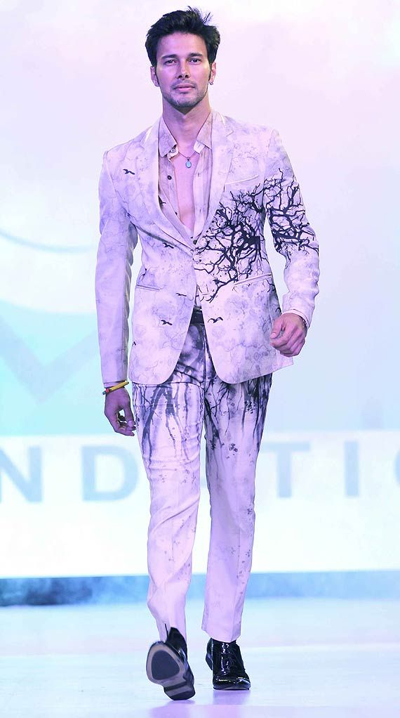 Rajneesh Duggal at Smile Foundation fashion show