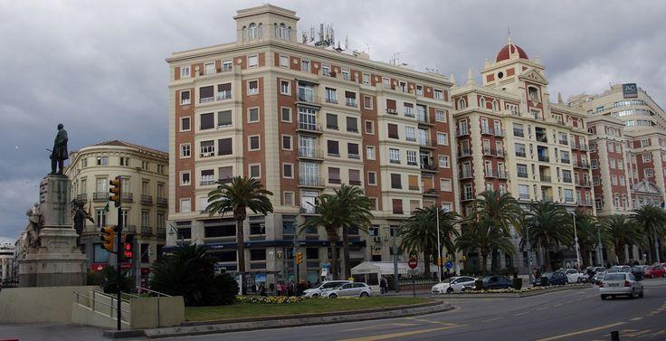 Málaga. Plaza de La Marina y Larios