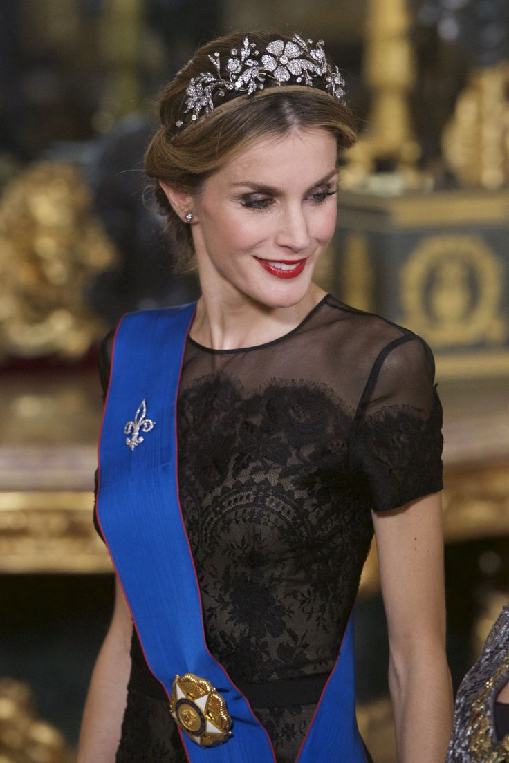 Queen Letizia of Spain, wearing the Spanish Floral tiara ...