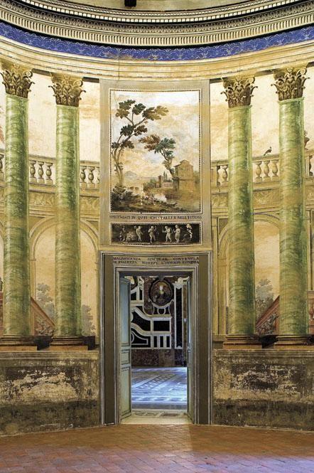 Servizio Fotografico: Sicilia. Palermo. Villa Palagonia - foto, immagini, reportage di viaggio di Alfio Garozzo