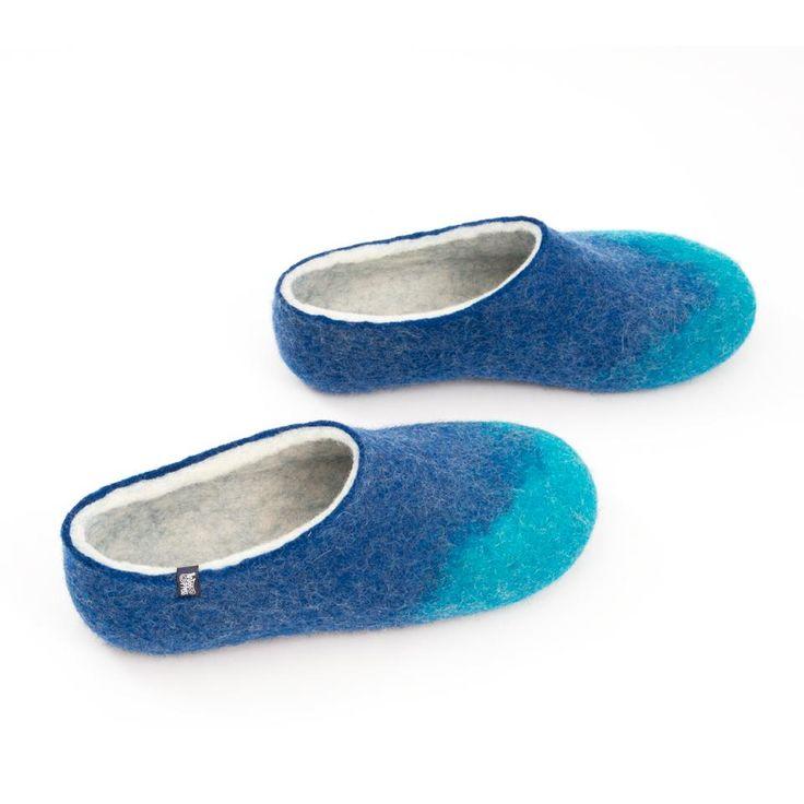 Turquoise blue slippers for women. Handmade in Greece using 100% merino wool. #woolen #slippers #women