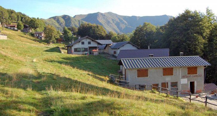 RIFUGIO GRUPPO CAMOSCI - La capanna sociale dell'Alpe Piane di Cervarolo a 1222 m.