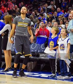 fans-look-on-as-stephen-curry-of-the-golden-state-warriors-warms-up-picture-id508173612 883×1,024 pixels