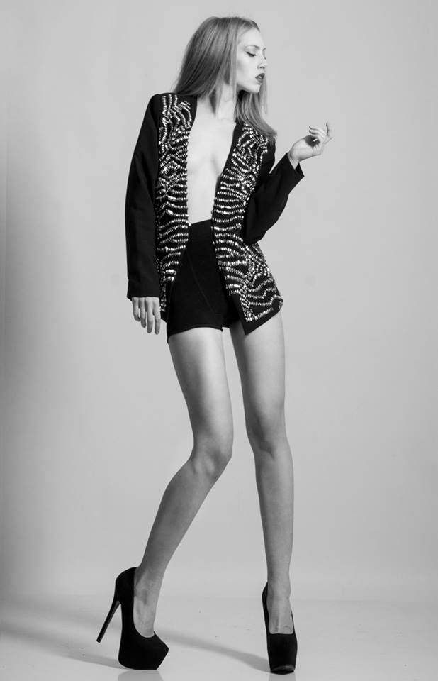 #anthiparaskevaidou #model #fashion #editorial #catalogue #redhead #styling #ΑνθήΠαρασκευαίδου #body #michalislavdiotis  #bnw