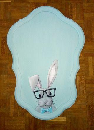 C'était un miroir qui était cassé, je l'ai donc enlevé et récupéré le cadre, j'ai tout peint dans un joli bleu clair et j'ai peint un lapin mignon qui surveillera les nuits  - 20817791