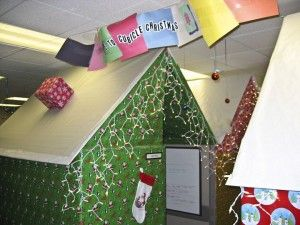 10 holiday decorating ideas for your office cubicle arnolds furniture decorations christmas