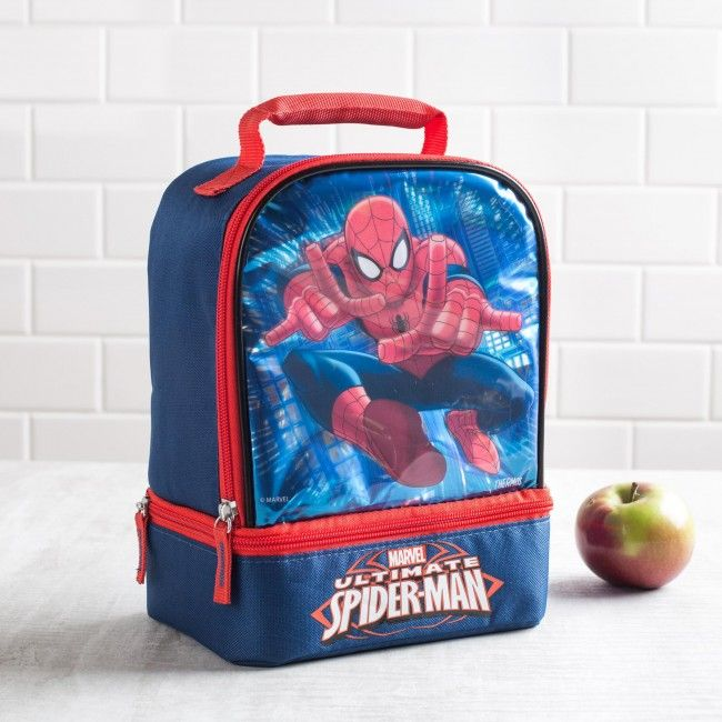 Does your spidey sense start tingling around lunch time? This insulated Thermos lunch bag is perfect for taking your lunch with you. With large and small zip close compartments, a comfortable padded handle and thermal insulated design, your lunch will be as delicious as the moment it was made.