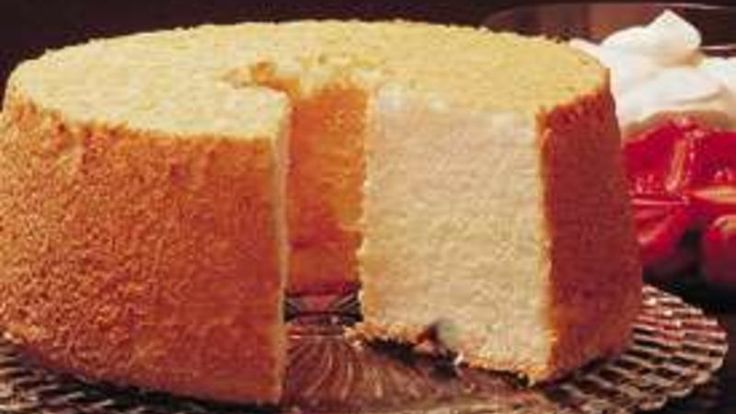 Angel food cake mixes with pumpkin for a new flavor twist.  Layers of whipped cream make it a dreamy dessert.