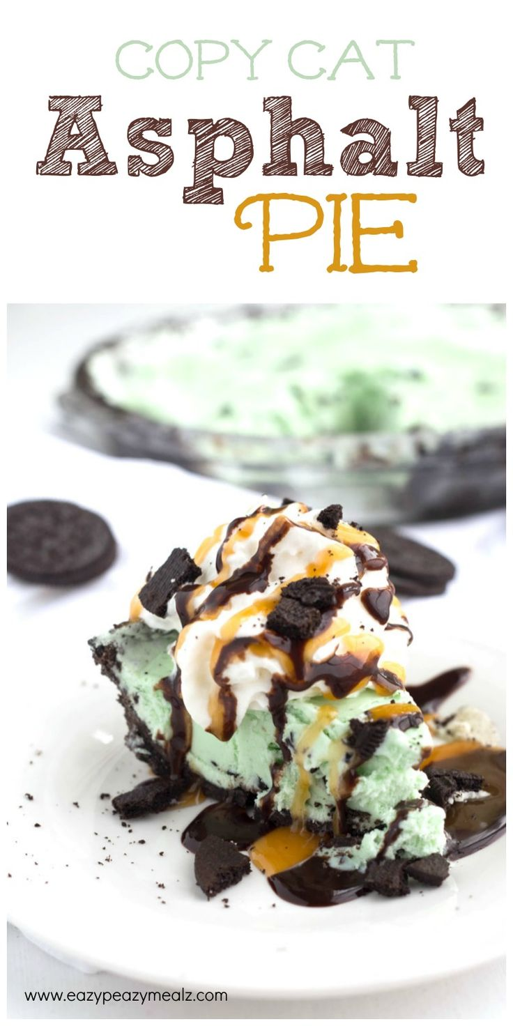 Copycat Asphalt Pie + 40 All things OREO Recipes: A mint chocolate chip OREO ice cream pie topped with caramel, chocolate and more OREO. Basically heaven! #sponsored #OreoMultipack #CG - Eazy Peazy Mealz