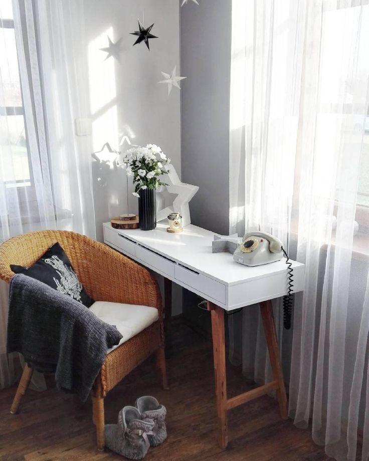 die besten 25 arbeitsplatz dekorieren ideen auf pinterest schreibtisch dekor kabine ideen. Black Bedroom Furniture Sets. Home Design Ideas
