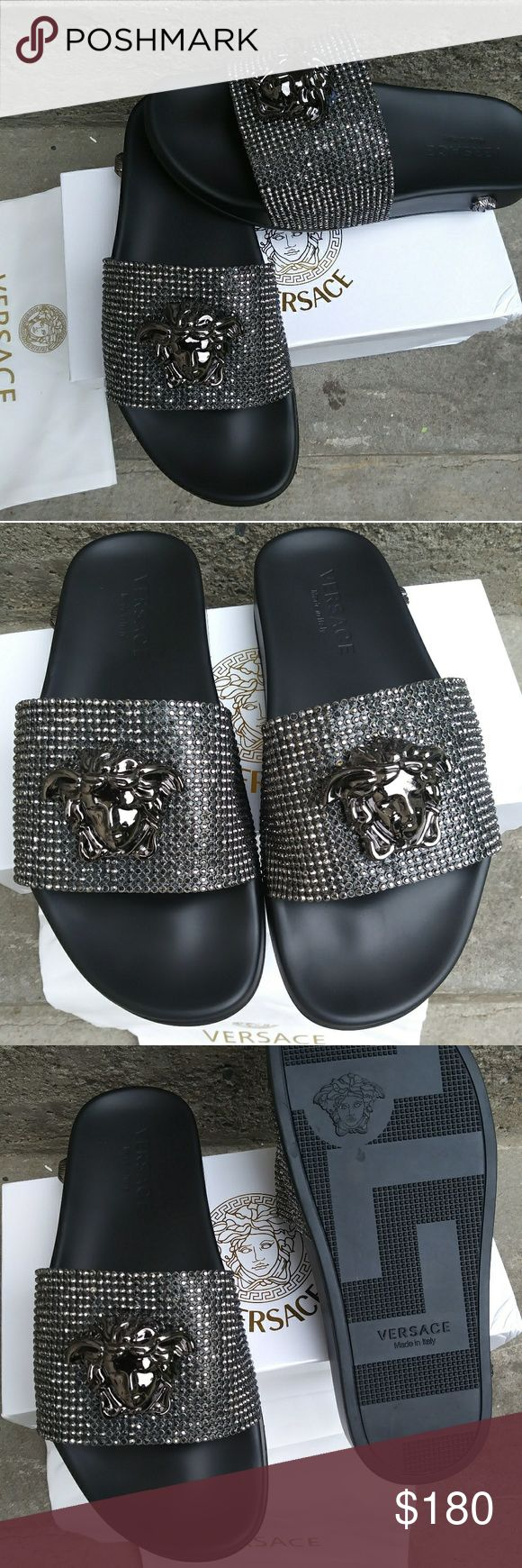 🔥💥📣SALE🔥📣🎆VERSACE SANDAL New in box dust/ shopping card. Size 7.5/8 Versace Shoes Sandals