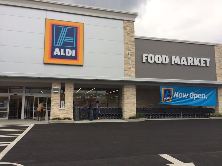 Aldi, New Aldi Grocery store opening.