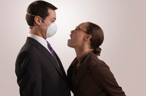 http://weblogkesehatan.tumblr.com/post/104451368581/tips-cara-menghilangkan-bau-pada-mulut