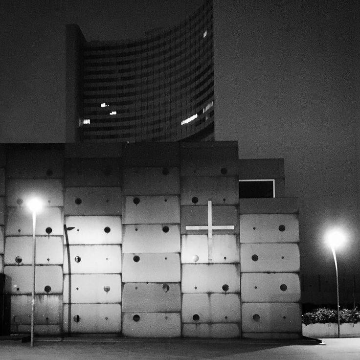 #latergram #alternative #Jesus #chapel #vienna #austria #architecture #concrete #blocks #archidaily #archilovers #architexture #brutal_architecture #brutalism #akiromantix #nytimestravel #igworldclub #ig_europe #ig_greece #niche #lifo #popaganda #wu_europe #wu_greece #architecturalphotography #blackandwhite by yiotakoul
