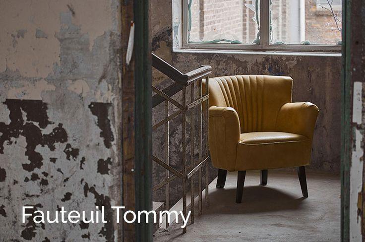 De mooiste meubelcollectie bestaande uit: bankstellen, hoekbanken, stoelen, tafels en eiken meubels in een stoere landelijke en industriële stijl.