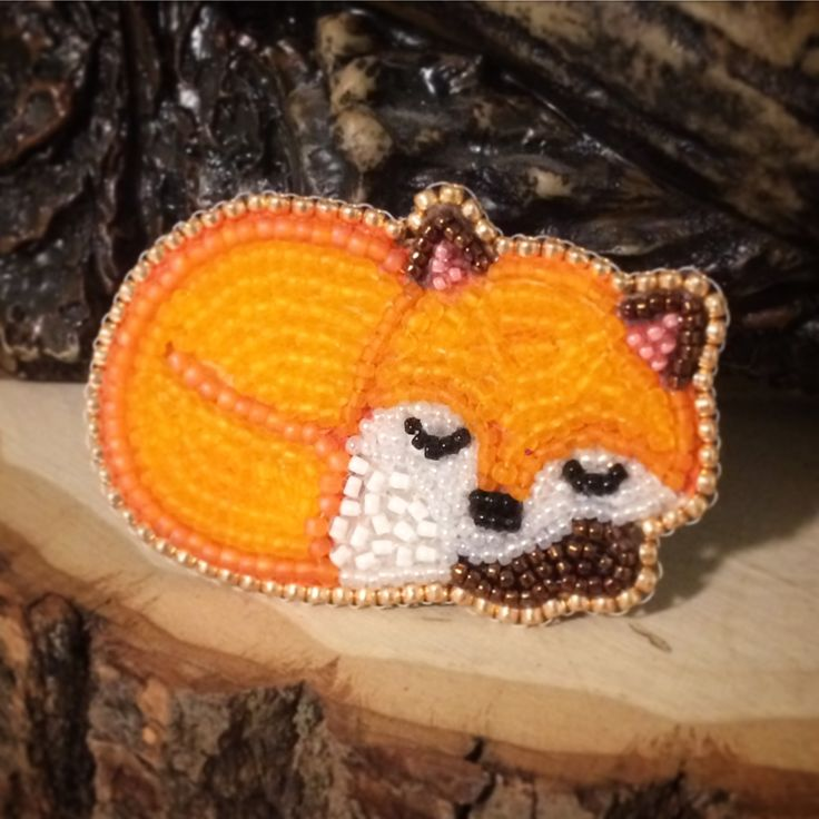 Bead embroidery fox brooch, handmade by Glowmonster