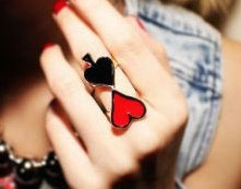 ¿Quieres ir a jugar poker? ... te tenemos el accesorio perfecto http://www.facebook.com/gsc.moda