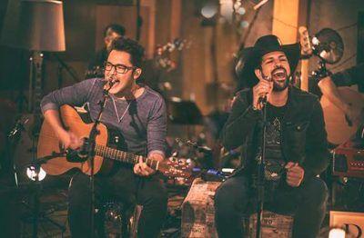 Fernando e Sorocaba apresentam show inédito na Woods Bar