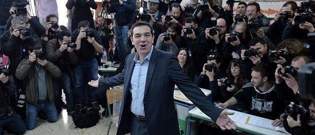 +++ Griechenland-Wahl im Live-Ticker +++ Syriza gewinnt Wahl, absolute Mehrheit möglich - Euro stürzt auf neues Tief http://www.focus.de/finanzen/news/staatsverschuldung/griechenland-wahl-im-live-ticker-euro-gegner-vorne-syriza-chef-tsipras-gewinnt-wahl-in-griechenland_id_4429878.html